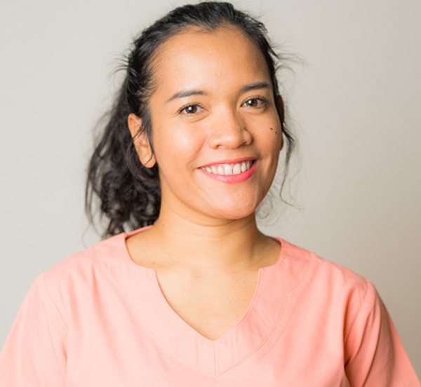 Mlle Deborah Hutahaean-Assistante apprentie