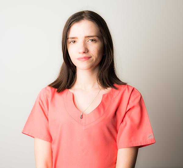 Mlle Laura Martin-Assistante apprentie