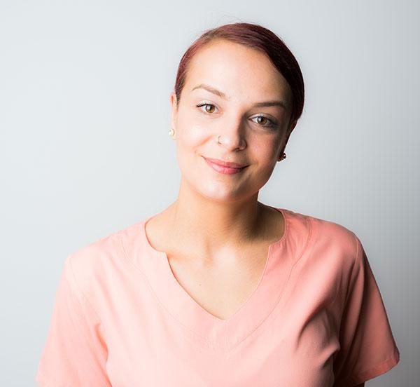 Frau Jessica Pereira-Zahnarzthelferin