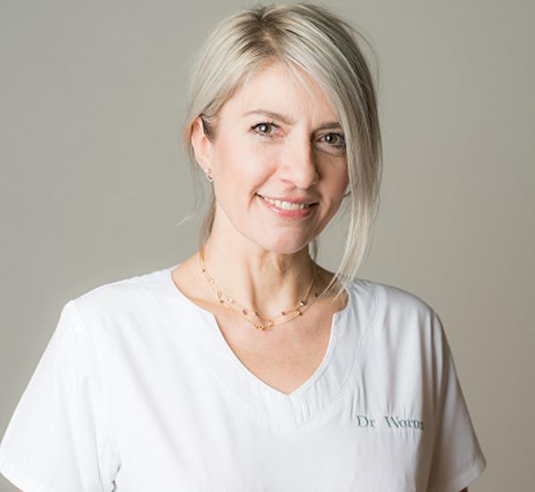 Dr. Raphaelle Wormus-Zahnärztin, Leiterin der Abteilung Zahnmedizin
