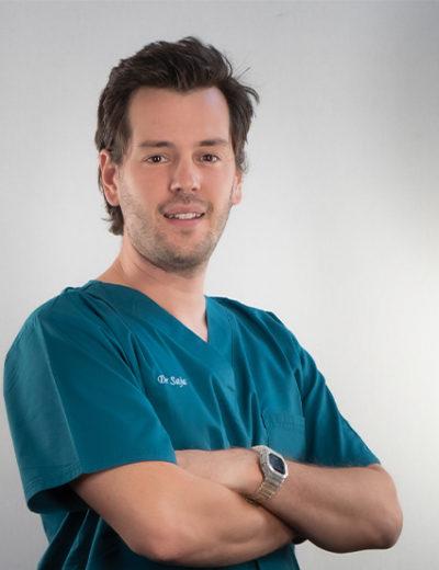 Dr Tom Saja - Médecin-Dentiste Pédiatrique