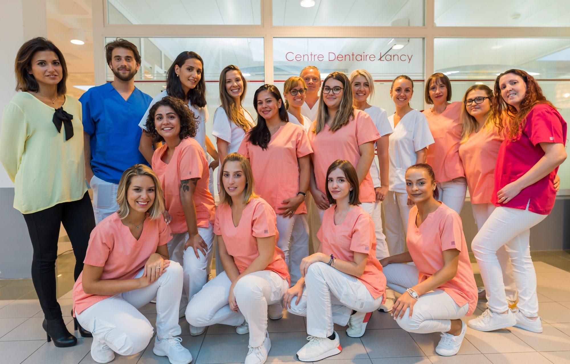 Centre dentaire Lancy à Genève - Photo de l'équipe-offre d'emploi